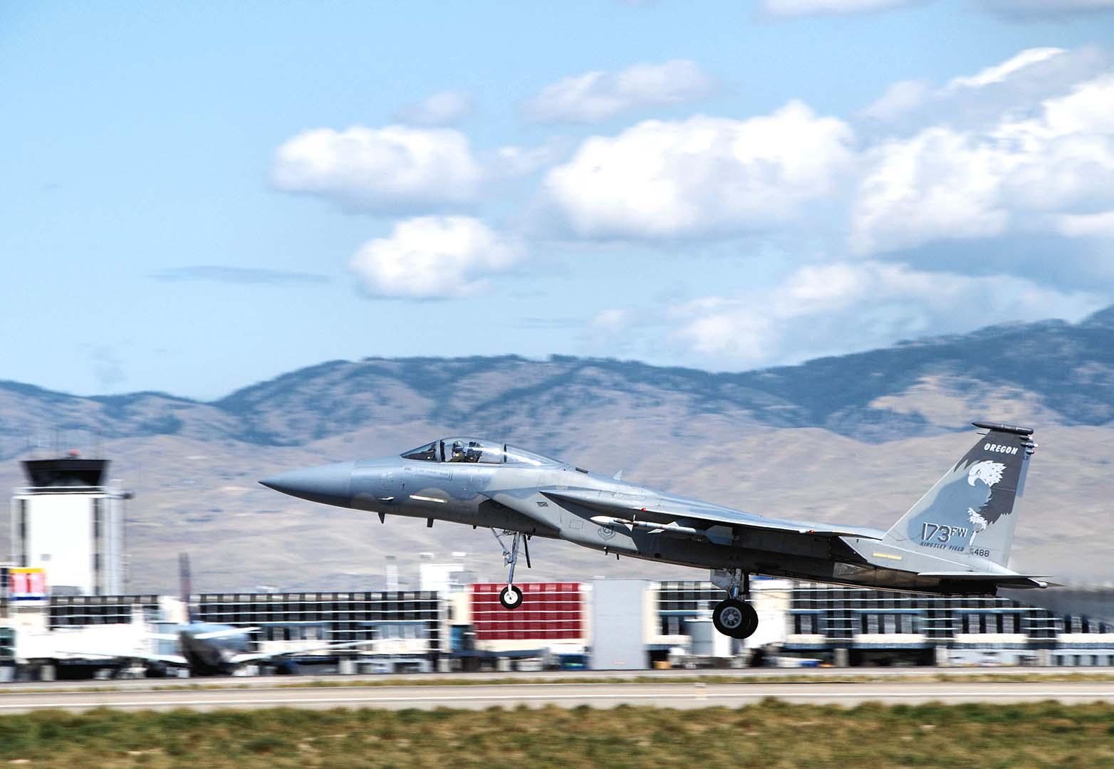 Three Horizon Alumni Aim High in the USAF